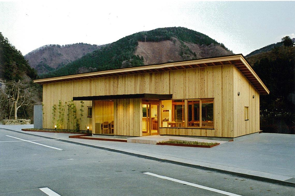 道の駅たばやま軽食堂R411軽食堂外観(北面)